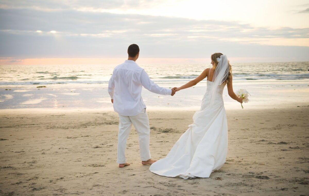 Yeni Evlilere İlk Ziyarette Ne Hediye Edilir