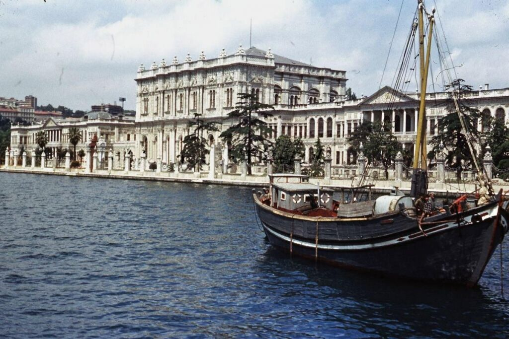 dolmabahce-sarayi-istanbul