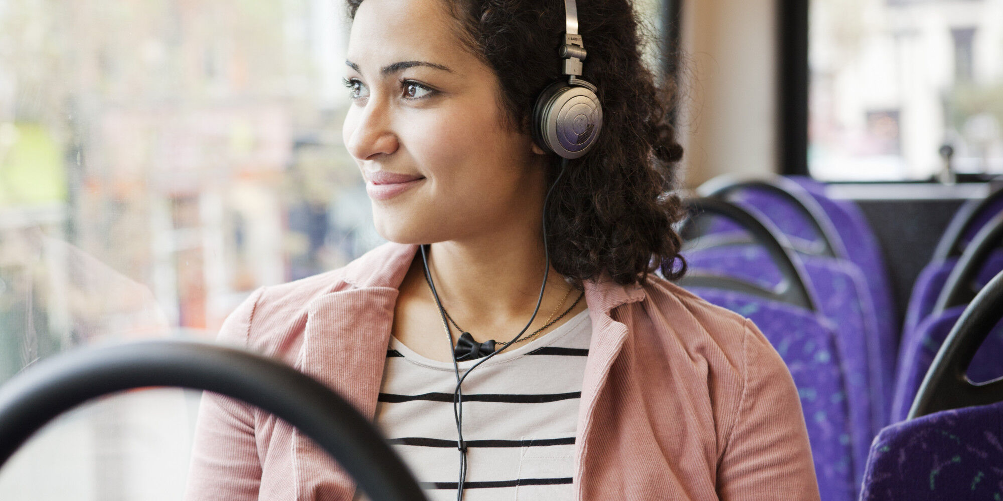 otobuste-muzik-dinlemek