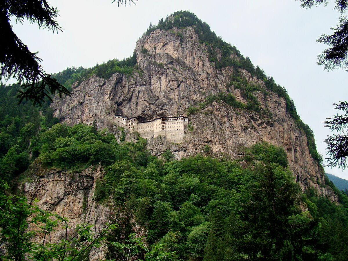 sumelanin-manastiri